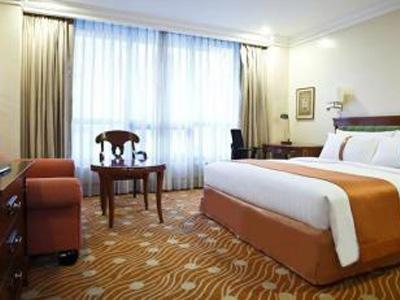 /magazine/img/016c15829301d014902448c7151bb43a/large/staycation_in_manila_for_Holy_Week_holiday_inn_manila.jpg