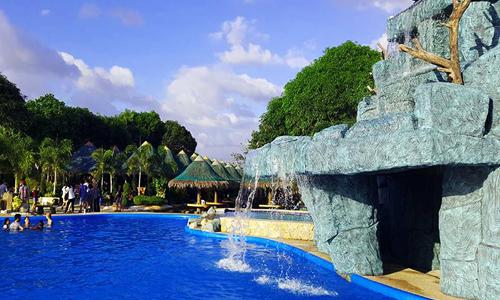 Water Parks Near Metro Manila You Can Go To For A Quick Weekend Break