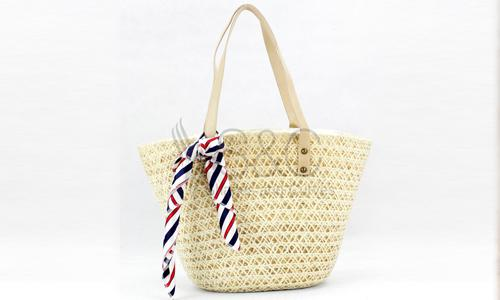 Cute, Summer-ready Beach Bags Every Lady Will Love
