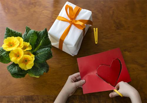 how to shop for memorable gifts